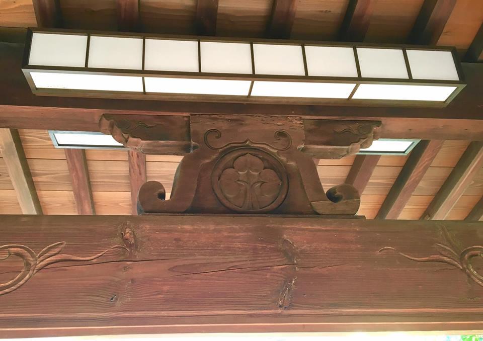 ぶどうの天井画のあるお寺