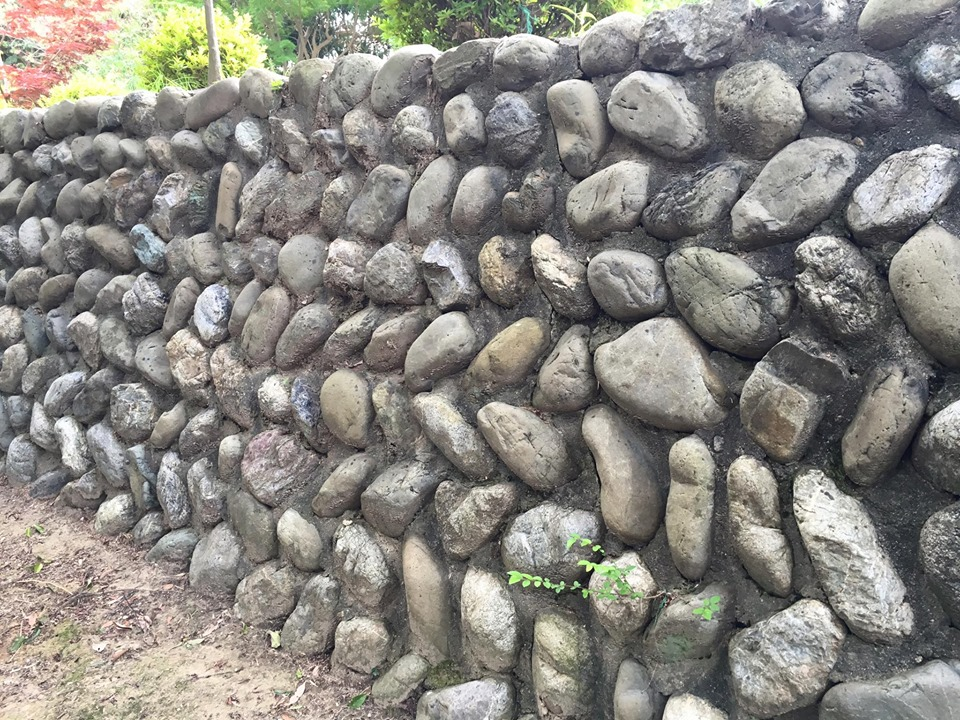 現代では不思議な石が玉手山には隠れている?