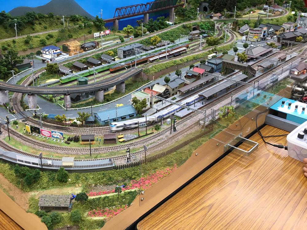 商店街の空き店舗に鉄道ジオラマ・Nゲージ