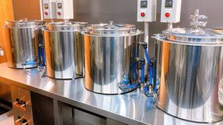 関西福祉科学大学でワインを醸造